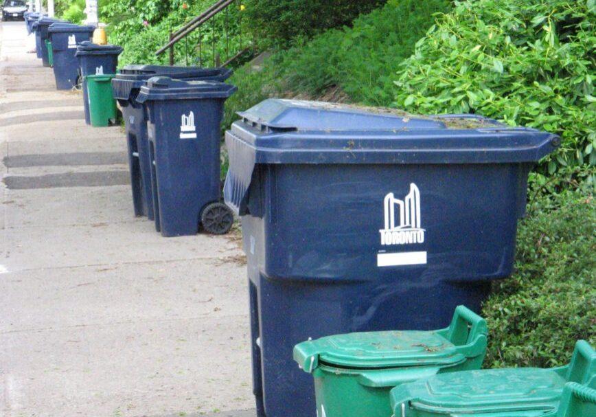 toronto-garbage-bins